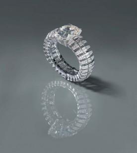 Bracelet en platine et diamants taille brillant et taille baguette, conçu autour du diamant Star of South (128,48 carats). (© Nick Welsh, Collection Cartier).